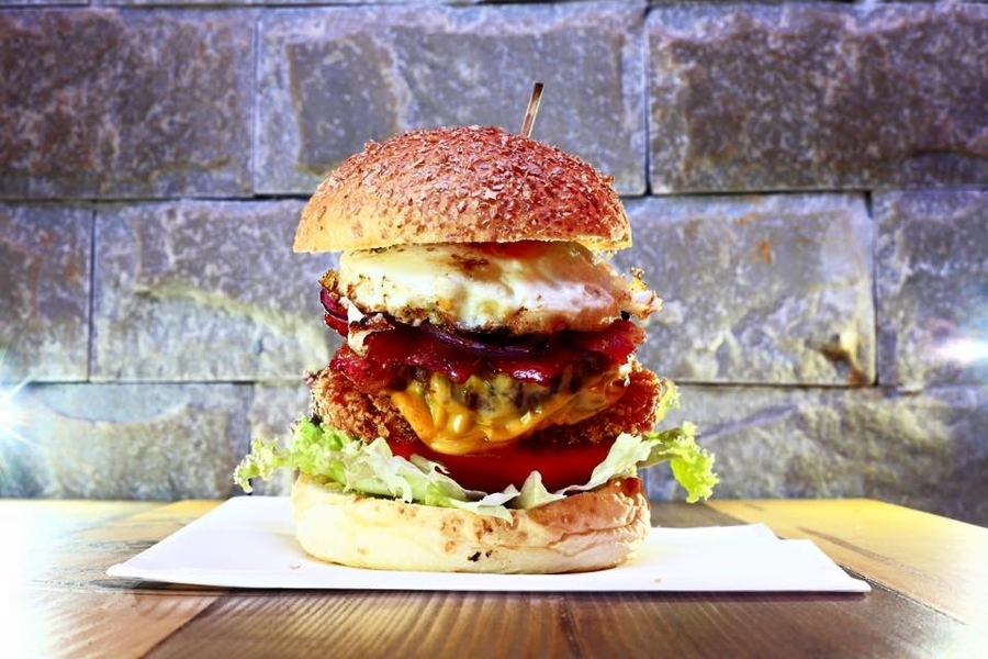 Make use of the world famous food burgers
